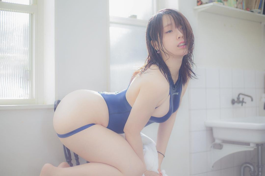 ポスターカレンダー予約受付開始をPR【椎名煌さん/2021年2月8日】