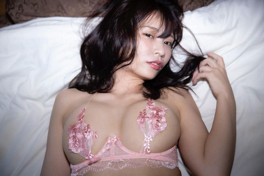 「私は私のことを愛してるの」セクシーランジェリー衣装姿を披露【さわち店長(葉月佐和)さん/2021年2月12日】