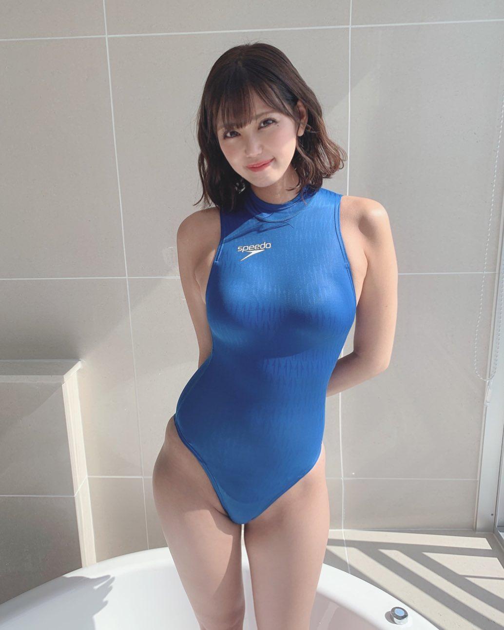 「こんな形の競泳水着はどうかな?」セクシー競泳水着姿を披露【篠原冴美さん/2021年2月24日】