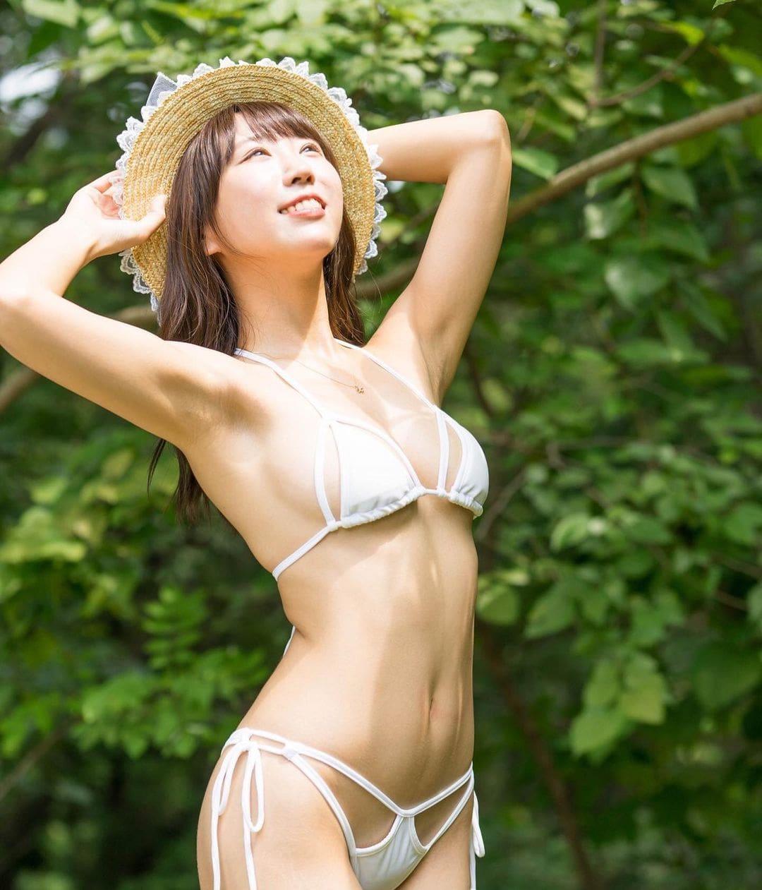 「皆様の貴重な1票、よろしくお願い致します」『変形水着が日本一似合うグラドル総選挙』をPR【日向葵衣さん/2021年8月16日】
